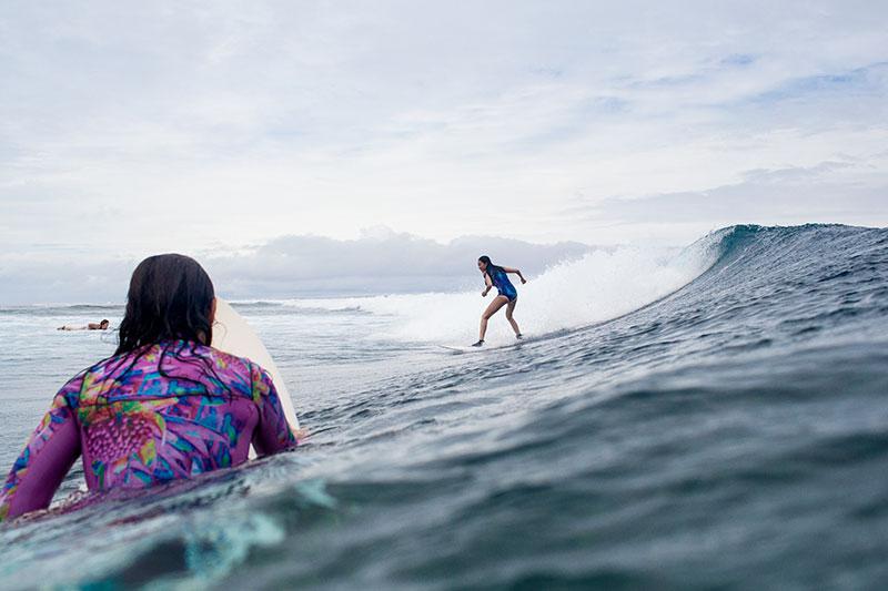 shesurfs.com.au - Mikala Wilbow - lifestyle photographer - fiji girls surf trip - surfing frigates