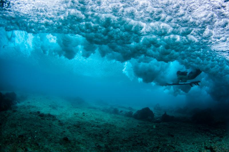 shesurfs.com.au - Mikala Wilbow - lifestyle photographer - Maldives duck dive
