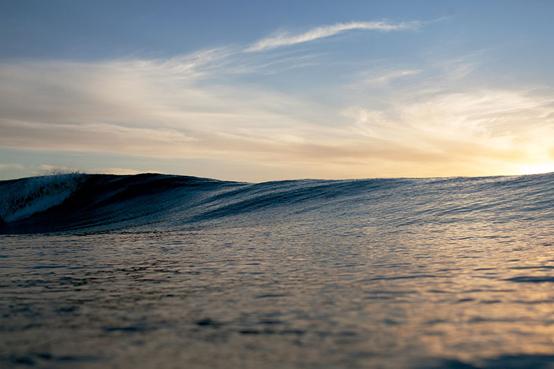 shesurfs.com.au - Mikala Wilbow - surf photographer - first light