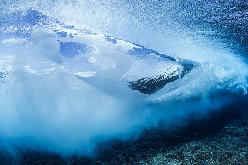 shesurfs.com.au-surf-ocean-art-photography-Turulent-tube