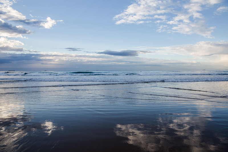 shesurfs.com.au-surf-ocean-art-photography-cloudy-shores