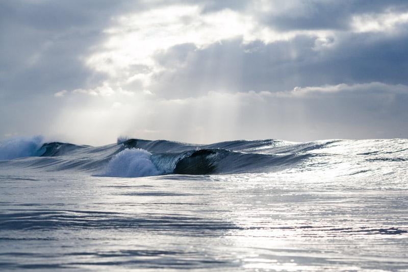shesurfs.com.au-surf-ocean-art-photography-peaks