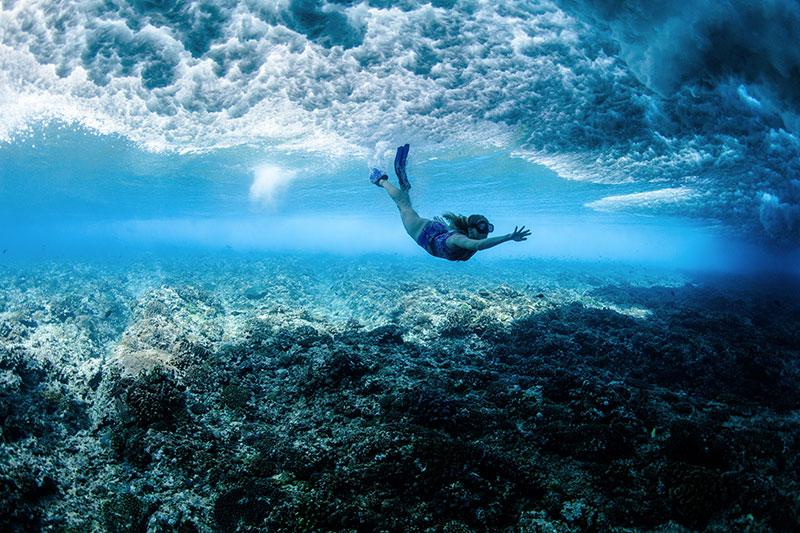 shesurfs.com.au - Mikala Wilbow - lifestyle photographer - fiji girls surf trip - Caroline Pemberton underwater