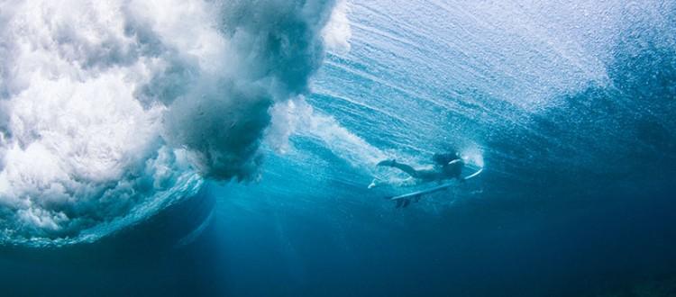 shesurfs.com.au - Mikala Wilbow - lifestyle photographer - Maldives underwater duck dive