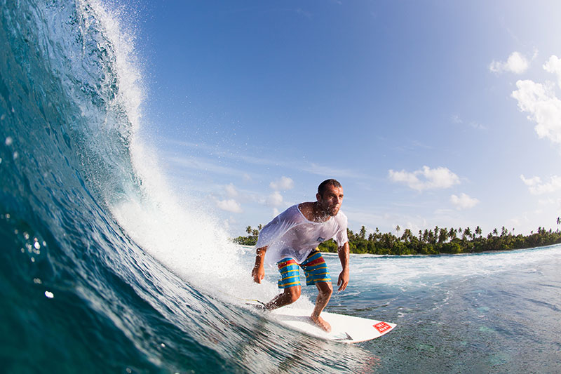 shesurfs.com.au - Mikala Wilbow - lifestyle photographer - Maldives surfer guy