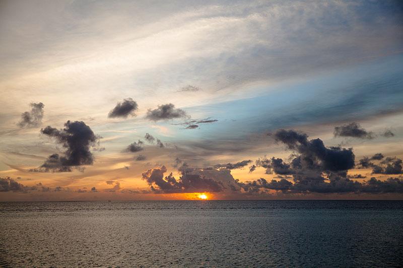 shesurfs.com.au - Mikala Wilbow - lifestyle photographer - Maldives sunsets